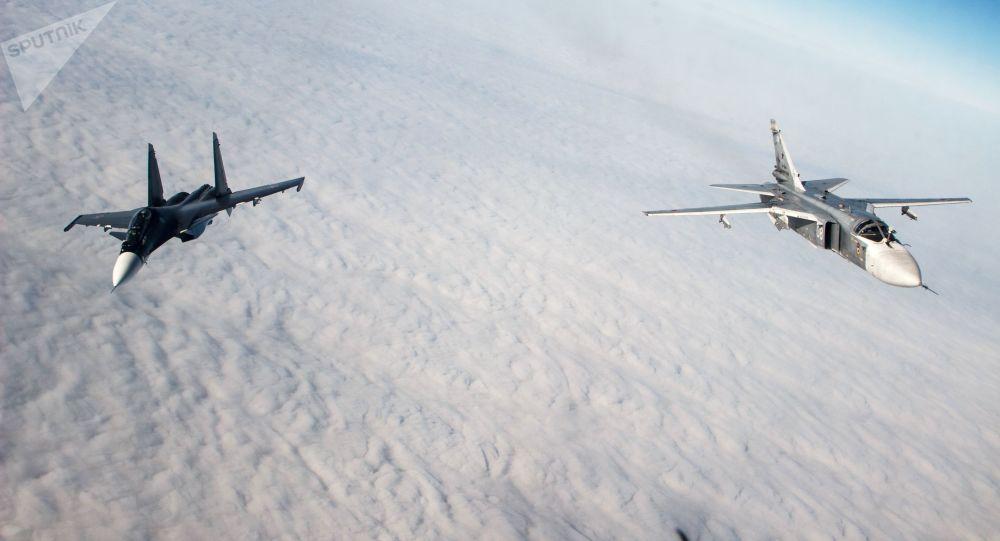 طائرات سو-24 إم وسو-30 إس إم التابعة لأسطول البحر الأسود