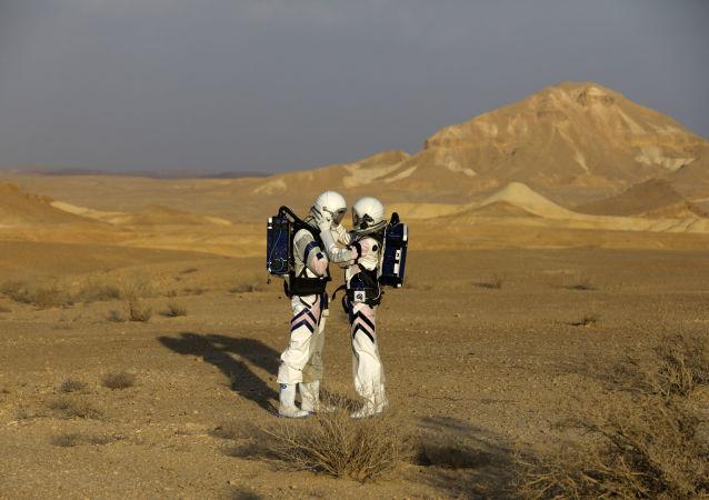 إسرائيل تجري محاكاة للعيش على المريخ في صحراء النقب