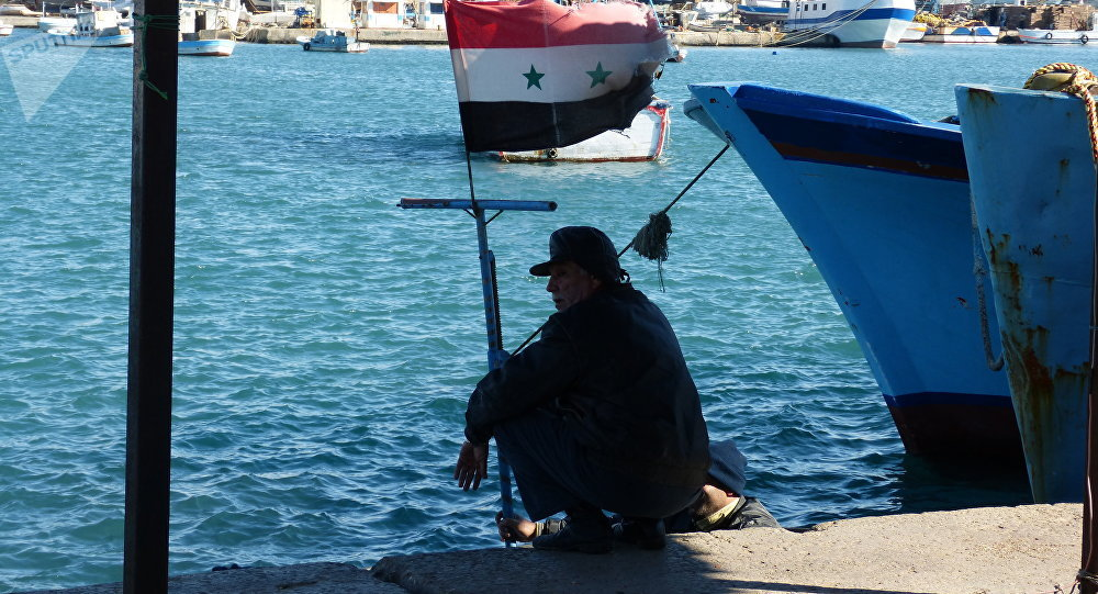 بحر اللاذقية ينقذ العشرات بعد أن نادوا ... هيلا يا واسع