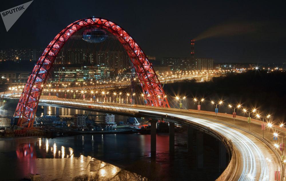 جسر جيفوبيسني ليلا