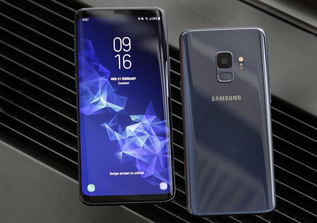 هاتف سامسونغ غالاكسي إس 9