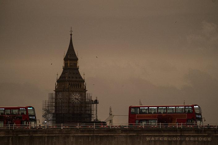 إعصار أوفيليا في لندن