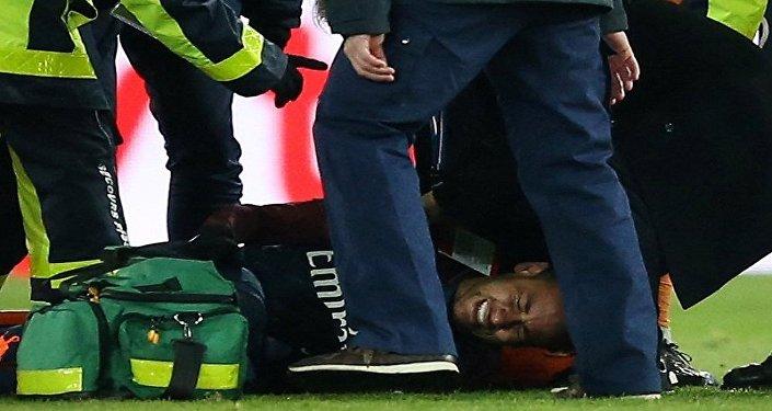 إصابة نيمار أثناء مباراة مارسيليا