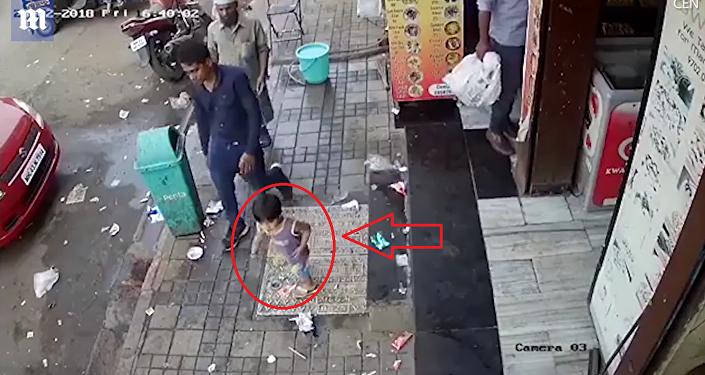 جريمة مروعة بحق طفلة أمام والدها