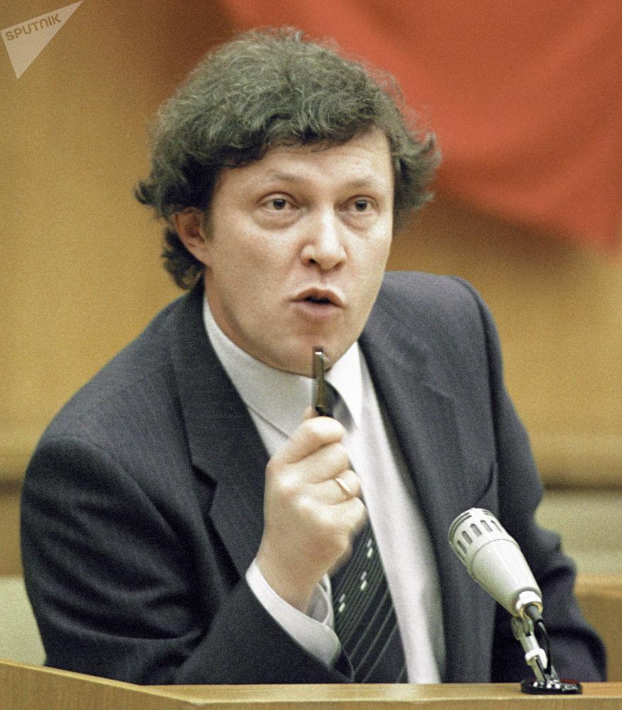 غريغوري يافلينسكي، نائب أول لرئيس الوزراء الروسي، عام 1990