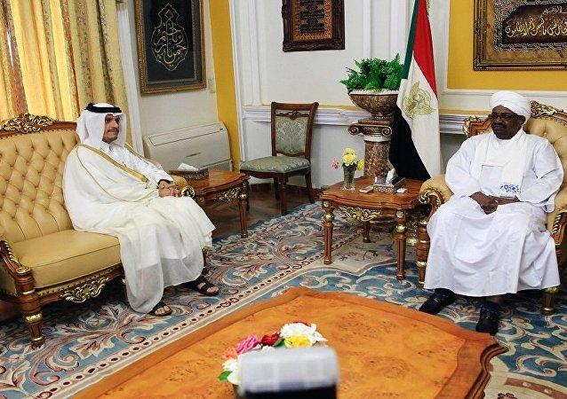 البشير يستقبل وزير الخارجية القطري في الخرطوم