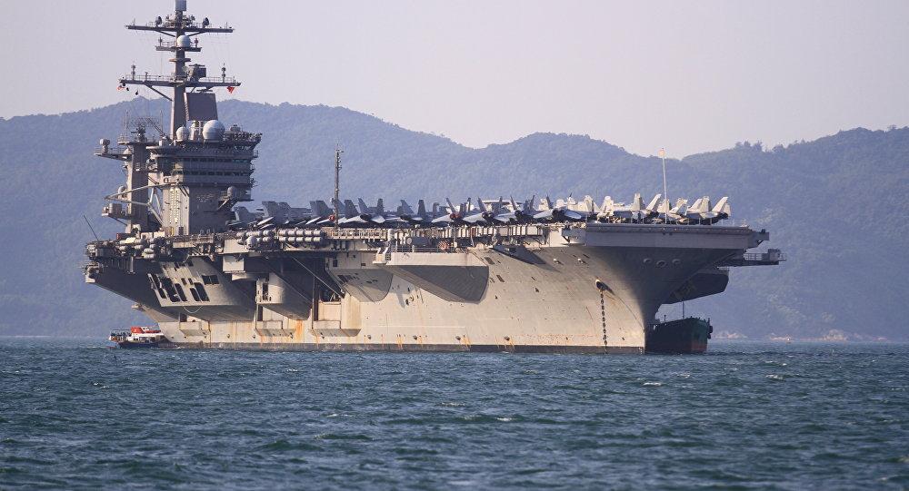 حاملة طائرات أمريكية من طراز نيميتز