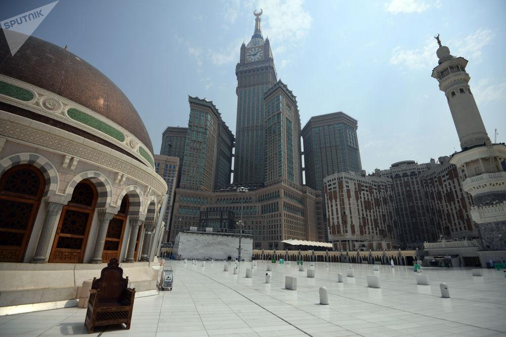 مجمع أبراج البيت في مكة المكرمة مقابل المسجد الحرام