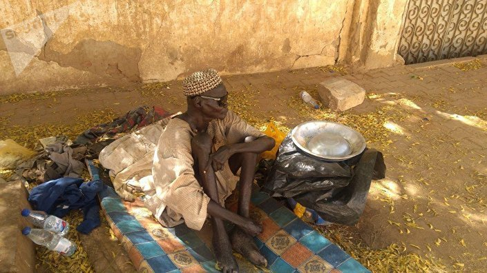 مشرد جنوب سوداني في شوارع الخرطوم
