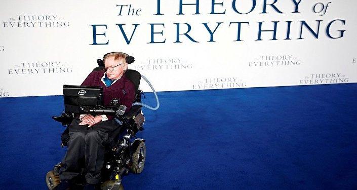 عالم الفيزياء البريطاني الشهير ستيفن هوكينغ