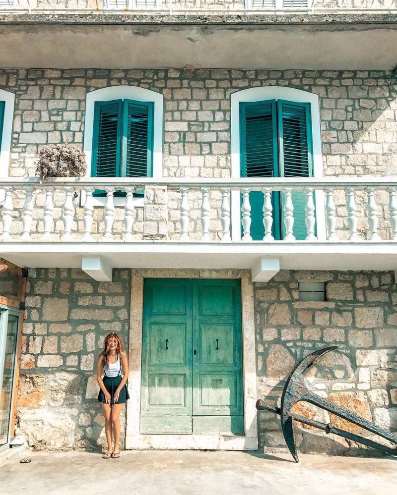 صورة في كرواتيا لمشروع تصوير بعيدا عن البيت
