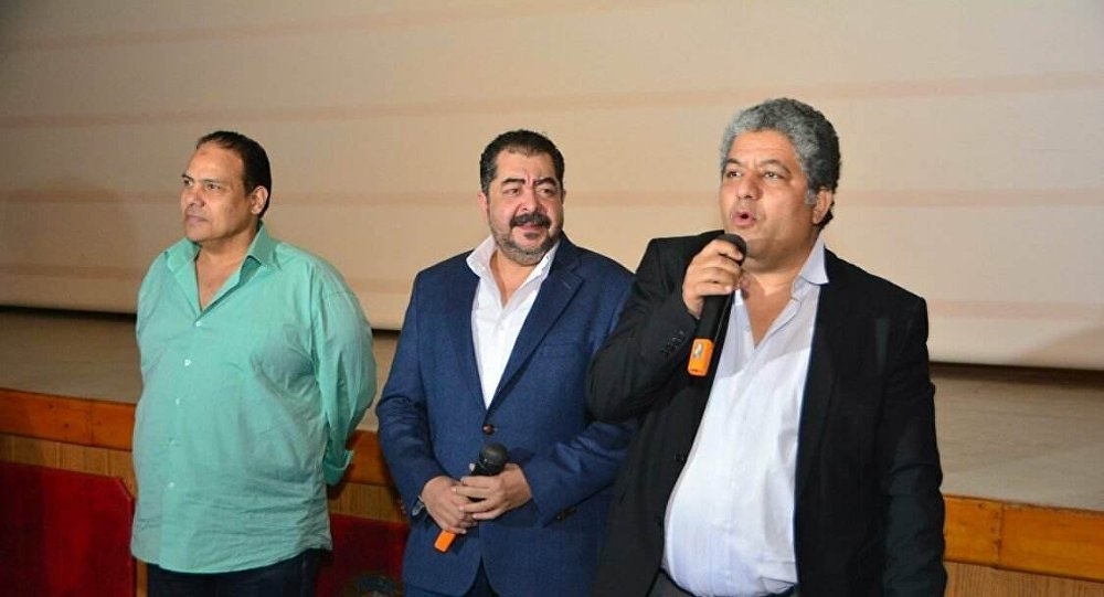 أبطال الفيلم المصري اشتباك في ندوة بعد عرضه في مهرجان الأقصر السابع للسينما الأفريقية في 20 مارس/آذار 2018