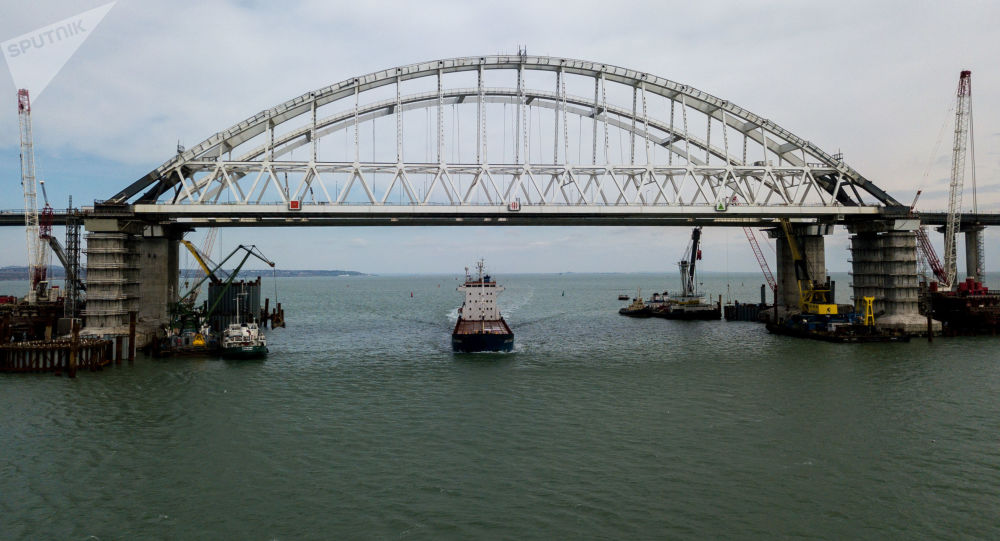 جسر القرم عبر مضيق كيرتش، القرم، روسيا