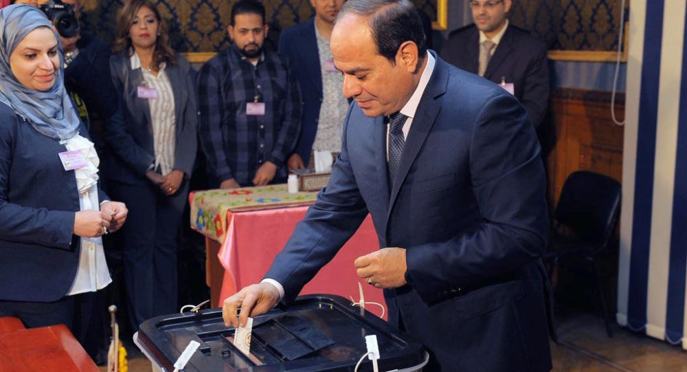 الرئيس المصري عبدالفتاح السيسي يصل مركز الاقتراع في القاهرة ليدلي بصوته في الانتخابات الرئاسية، القاهرة، مصر 26 مارس/ آذار 2018