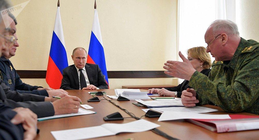 بوتين خلال الاجتماع في كيميروفو