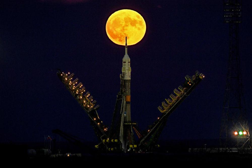 مسابقة أفضل تصوير في روسيا 2017 - صورة القمر العملاق للمصور كيريل كودرياتسو
