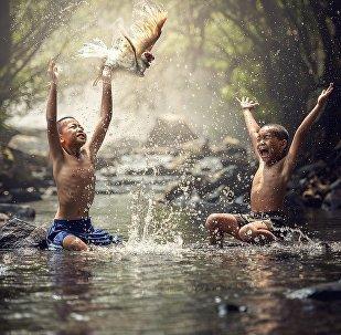 تخيل لو سمح لك أنت تكون سعيدا والإستمتاع بالحياة