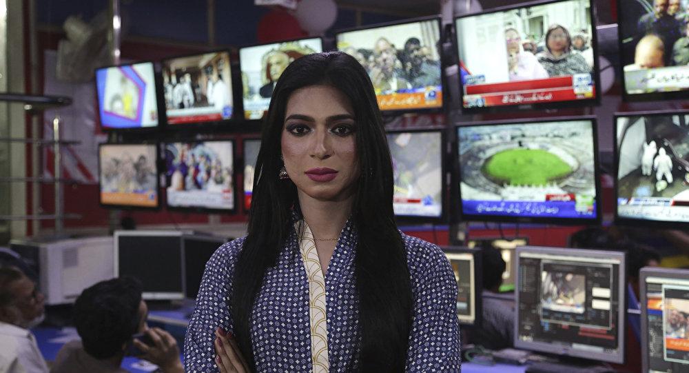 مارفيا مالك، أول مذيعة متحولة جنسيا في باكستان