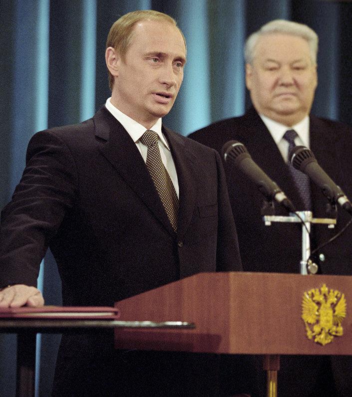 الرئيس الروسي فلاديمير بوتين خلال مراسم التنصيب في عام 2000