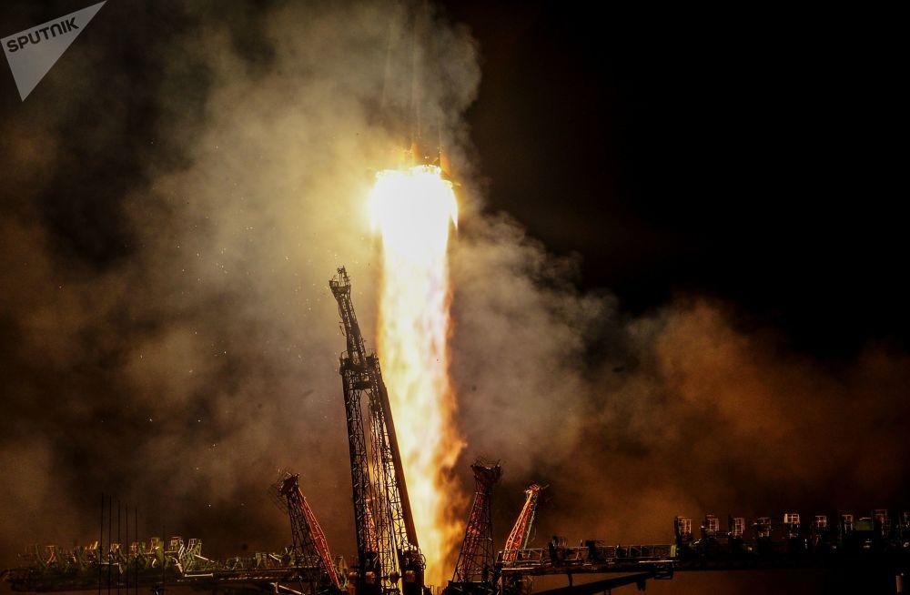 إطلاق الصاروخ الحامل سويوز-إف غ لمركبة الفضاء الروسية سيوز إم إس-08 من محطة بايكانور