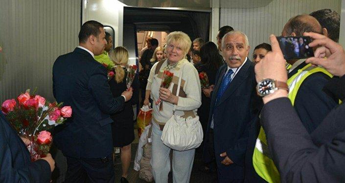 ركاب طائرة إيروفلوت الروسية في مطار القاهرة