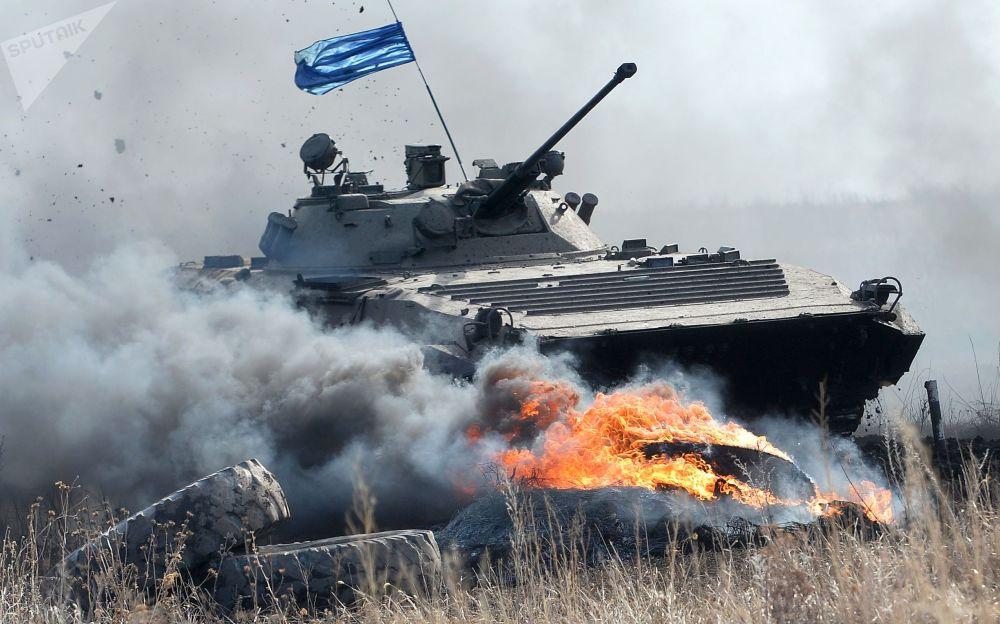 سباق عسكري للفرق العسكرية الفرعية التابعة للمناطق الوسطى في روسيا، في حقل تشيباركول في إقليم تشيليابنسك