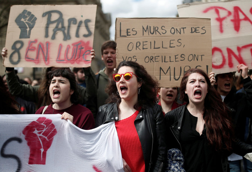 مظاهرات الطلاب، ويحتجون ضد إدخال ماكرون تغييرات على سياسة التعليم في باريس، فرنسا 10 أبريل/ نيسان 2018