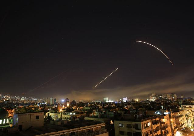 التحالف الثلاثي - ضربات هجومية لـ الولايات المتحدة و فرنسا وبريطانيا ضد دمشق، سوريا 14أبريل/ نيسان 2018