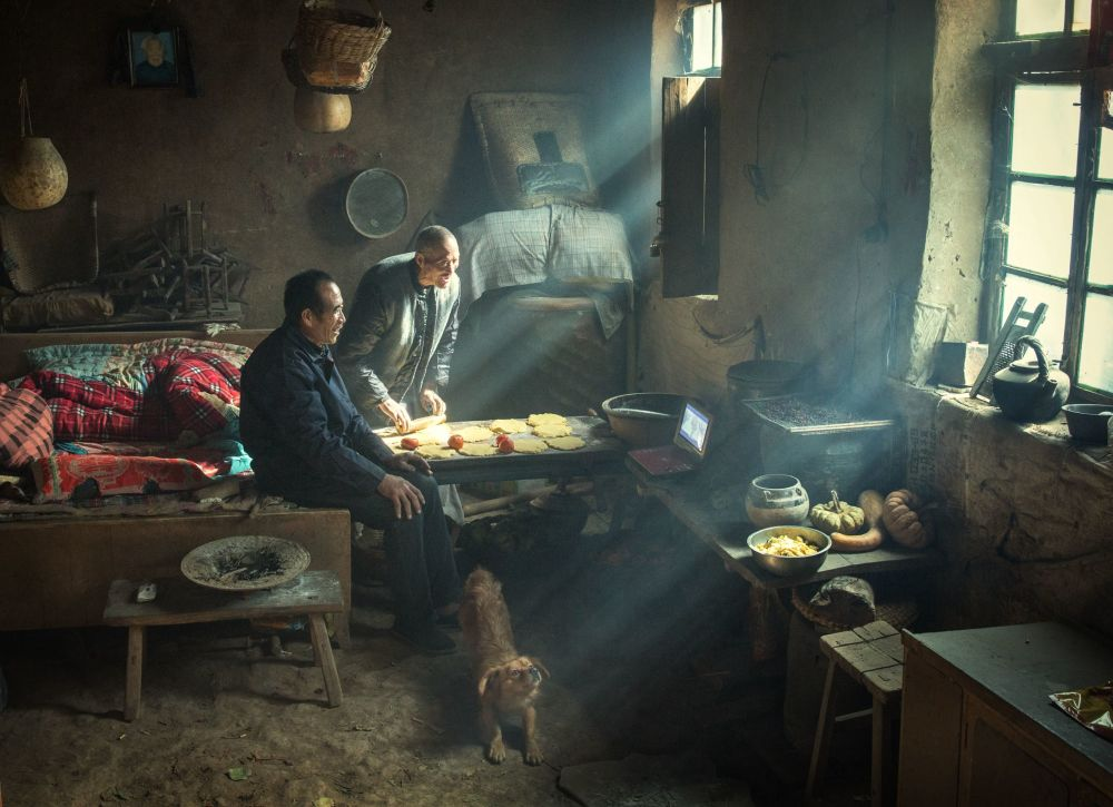 مسابقة صور الصحافة العالمية لعام 2018 - صورة بعنوان إرث كيلن للمصور لي هوايفينغ من الصين، الفائزة بالمرتبة الثالثة في فئة التصوير الأشخاص