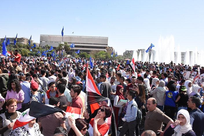 مظاهرات حاشدة في ساحة الأمويين بدمشق
