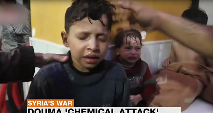 لقطة من فيديو الهجوم الكيميائي على دوما المفبرك - حسن دياب