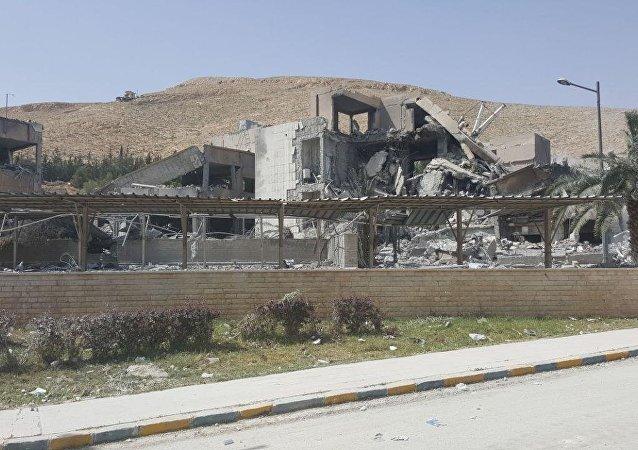مركز البحوث العلمية في حي برزة الذي طالته الضربة الثلاثية الامريكية البريطانية الفرنسية