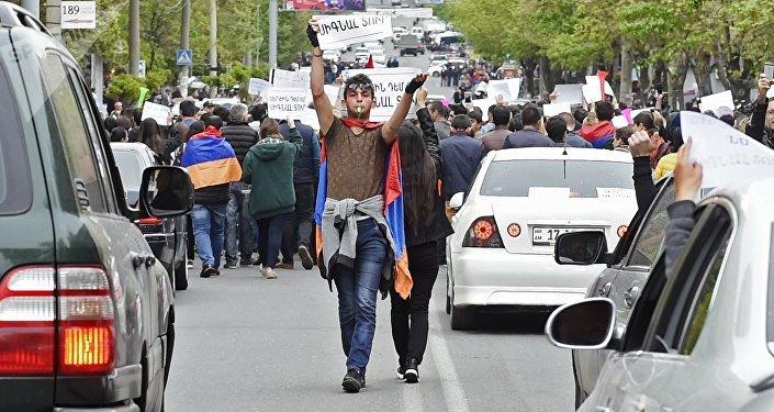 احتجاجات كبيرة للمعارضة في يريفان عاصمة أرمينيا