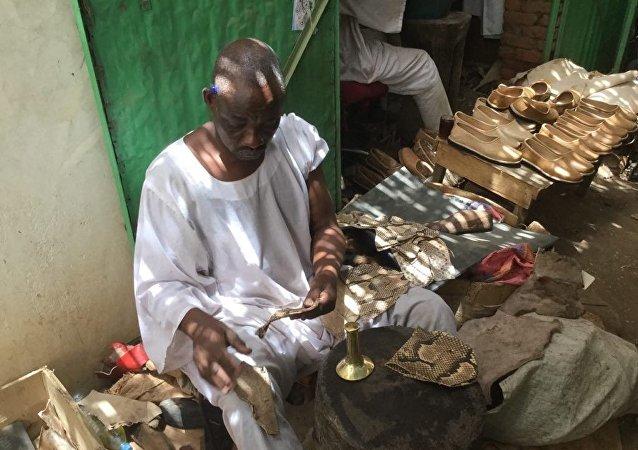 صناعة المراكيب/ الأحذية في السودان