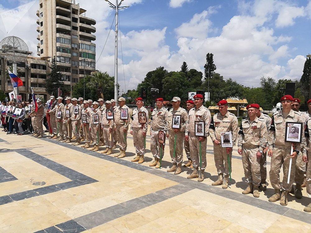 حلب تحتفل بعيد النصر الروسي في ساحتها الرئيسية