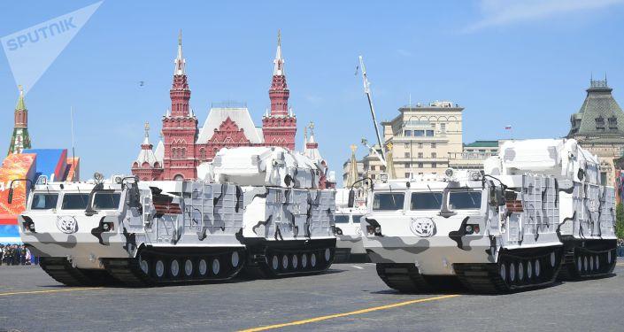 عرض عسكري بمناسبة الذكرى الـ 73 لعيد النصر على قوات ألمانيا النازية  في الحرب الوطنية العظمى (1941 - 1945) في موسكو، 9 مايو/ أيار 2018