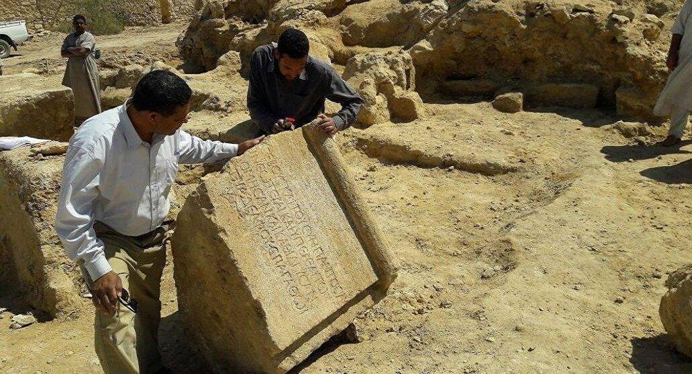 بعثة أثرية مصرية تكتشف معبدا لـإمبراطور روماني