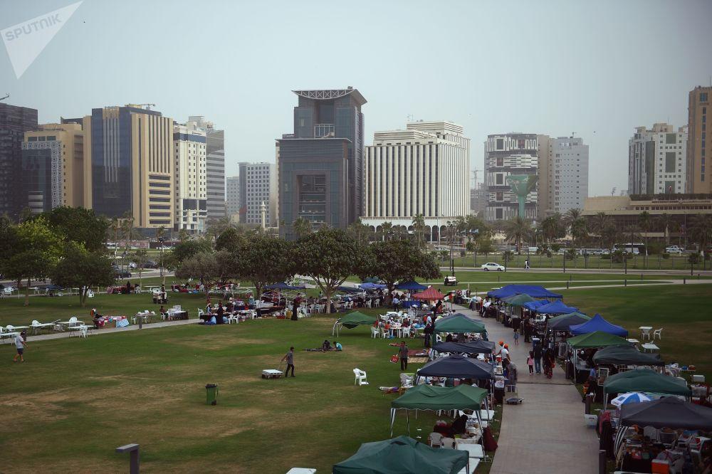 سوق تجاري بالقرب من متحف الفن الإسلامي في الدوحة