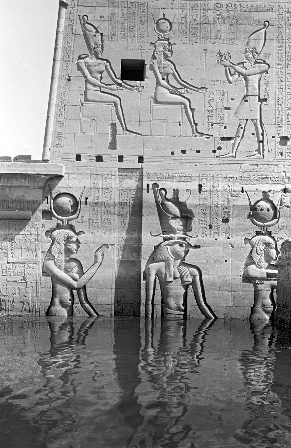 معبد الآلهة حتحور في مصر