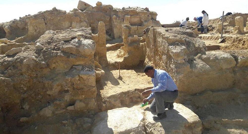 الحفريات الأثرية في منطقة واحة سيوة