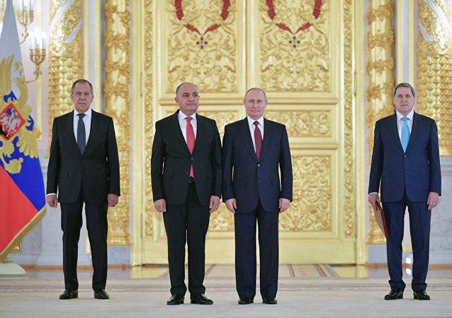 سفير الاردن لدى موسكو أمجد العضايلة