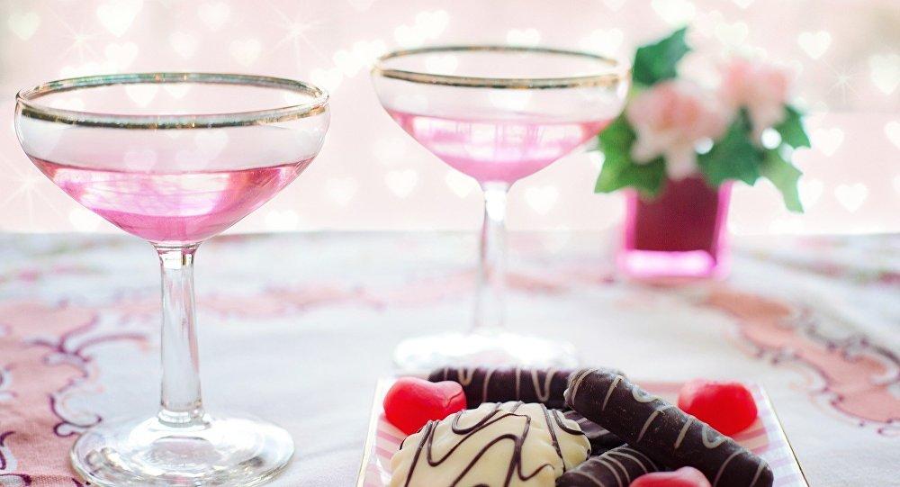 الشوكولاتة والنبيذ