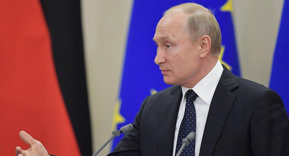 مؤتمر صحفي للرئيس فلاديمير بوتين والمستشارة الألمانية أنجيلا ميركل في سوتشي، 18 مايو/ أيار 2018
