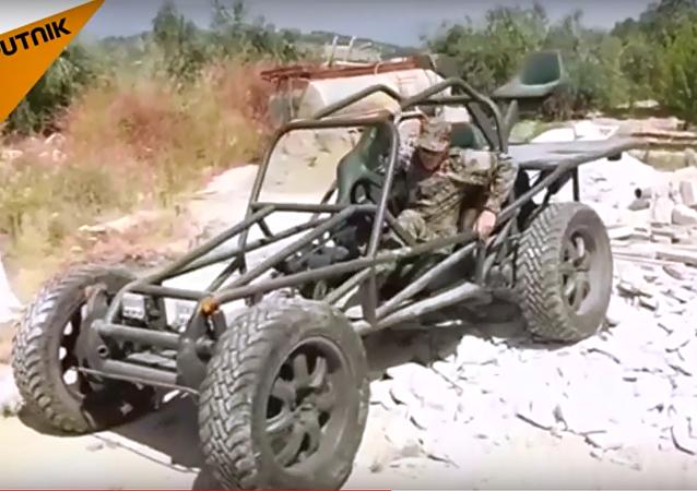 سيارة سورية تبدع في دعم الجنود على جبهات ريف اللاذقية