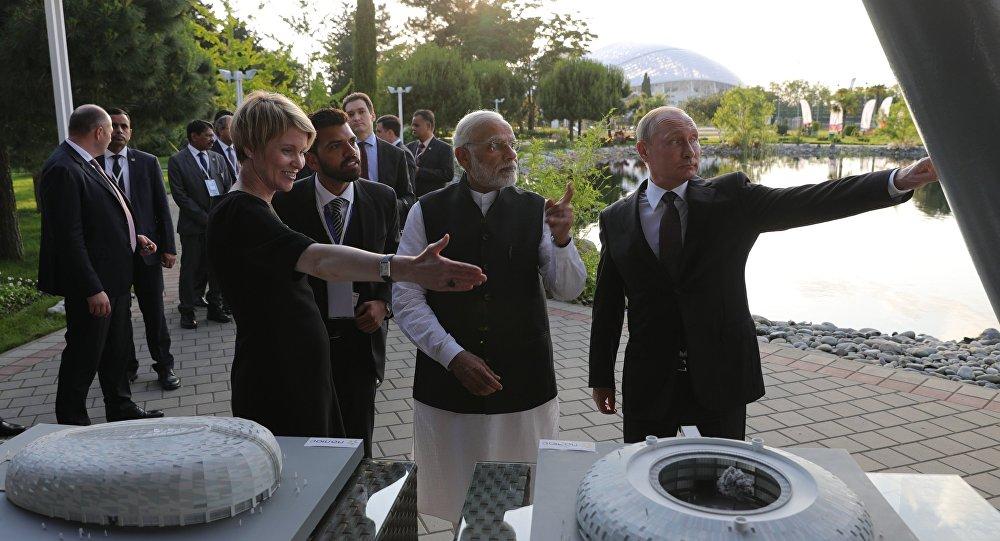 لقاء الرئيس الروسي فلاديمير بوتين ورئيس الوزراء الهندي مودي