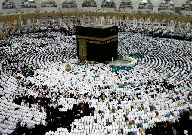 أداء مناسك العمرة في مكة خلال شهر رمضان، السعودية 23 مايو/ أيار 2018
