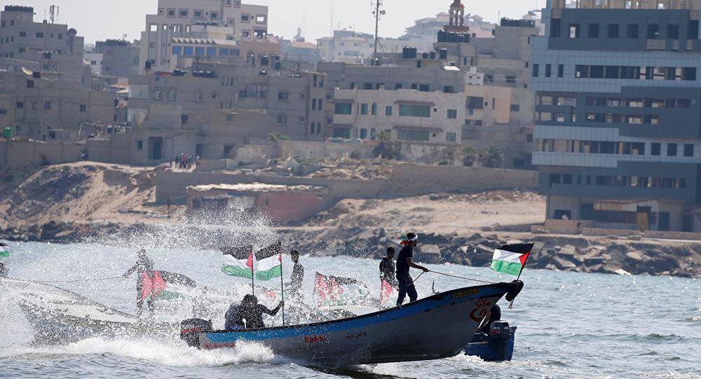 زوراق صيد امام غزة