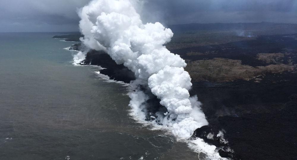 تدفق الحمم البركانية من بركان كيلاويا في جزيرة هاواي، 26 مايو/ أيار 2018