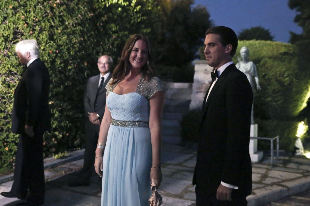 الأميرة اليونانية ثيودورا والأمير الدنماركي فيليبوس يصلان إلى نادي اليخوت في بيرايوس، بالقرب من أثينا، اليونان 18 سبتمبر/ أيلول 2014