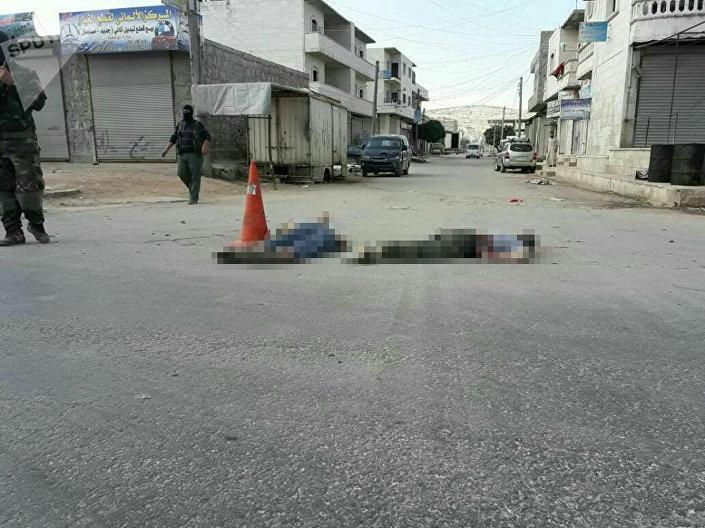 النصرة  تعدم اثنين من لداعش في إدلب